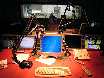 skai-radio-1003-studio-01