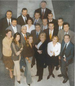 Η ομάδα των δημοσιογράφων του MEGA το 2003.