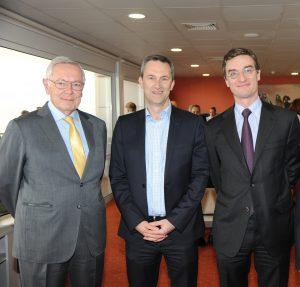 Ο Jean-Pierre Colombu, Αντιπρόεδρος των γαλλικών ιπποδρομιών France Galop, ο Damian Cope, Διευθύνων Σύμβουλος του ΟΠΑΠ, και ο Alain Resplandy-Bernard, Deputy Managing