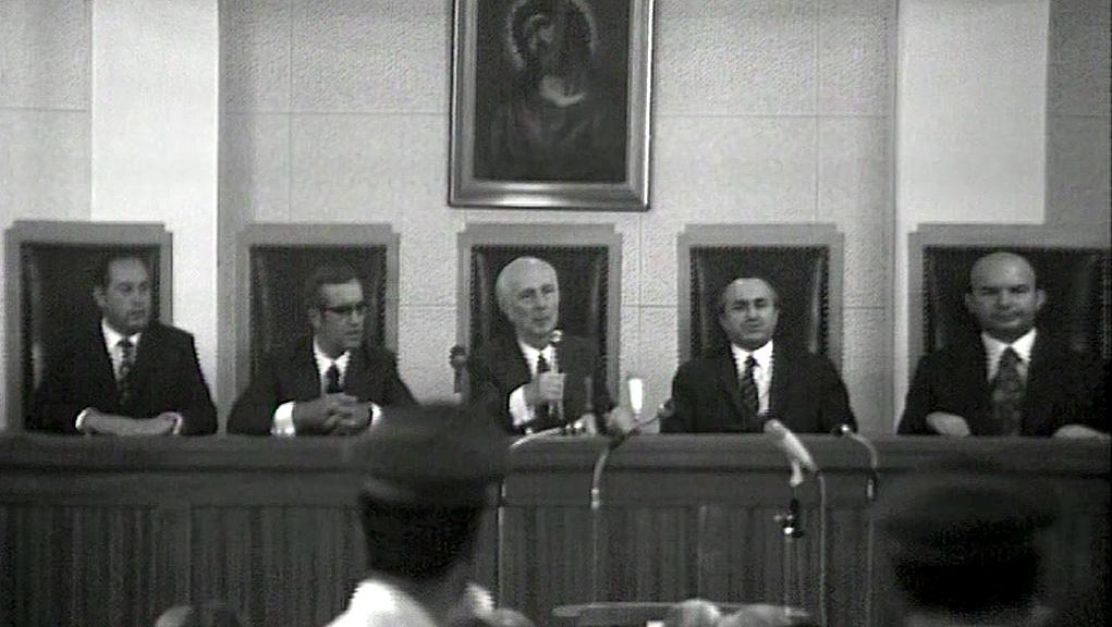 Αφιέρωμα του Αρχείου της ΕΡΤ: Η απόφαση της δίκης για τους πρωταίτιους της χούντας – 23 Αυγούστου 1975